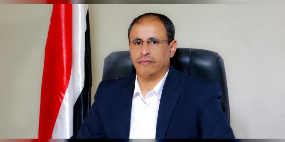 مصدر بمكتب وزير الإعلام ضيف الله الشامي يدعو لعدم التعامل مع ما ينشر بحساب الوزير بتويتر كونه مخترقاً