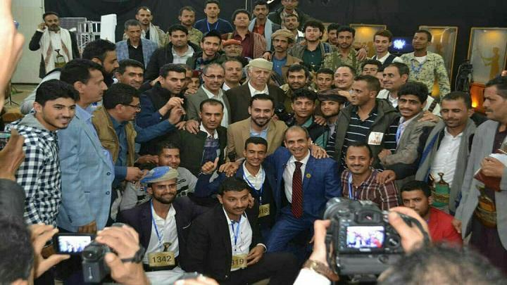 وزير الإعلام ومحافظ إب يطلعان على سير برنامج