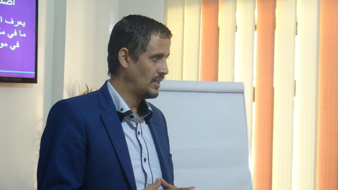 بمشاركة 12 اعلاميا واعلامية.. اتحاد الإعلاميين اليمنيين ينفذ دورة تدريبية حول كتابة الخبر الصحفي
